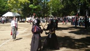 神社で剣道